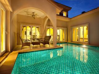 Silk Road Place Pattaya pool villa & Toyota Vios - Pattaya vacation rentals