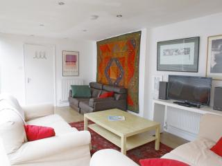 Beautiful 2 Bedroom Camden Townhouse in London - London vacation rentals