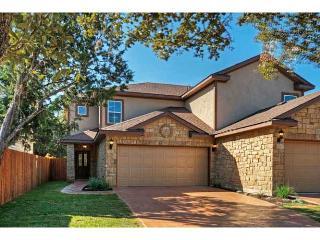 New Luxury Home - Study, 2 Car Garage, Fenced Yard - Austin vacation rentals