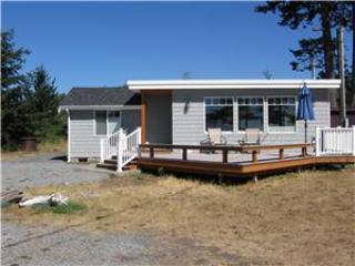 2 bedroom Condo with Waterfront in Lummi Island - Lummi Island vacation rentals