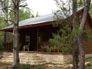 Piney Woods Cabin - Texas Prairies & Lakes vacation rentals