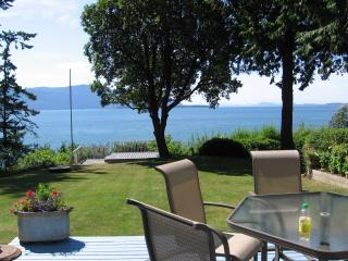 Perfect House with Deck and Internet Access in Lummi Island - Lummi Island vacation rentals