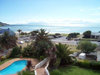 Lovely Condo with Internet Access and A/C - Gordon's Bay vacation rentals
