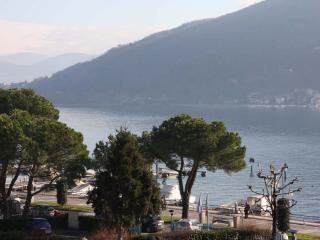 Apartment Lizzy with balcony and view on the lake - Iseo vacation rentals