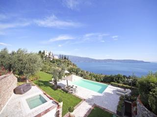 Villa Garda I holiday vacation villa rental italy, lombardy, italian lakes, lake garda, pool, view, olive oil, holiday vacation villa - Toscolano-Maderno vacation rentals