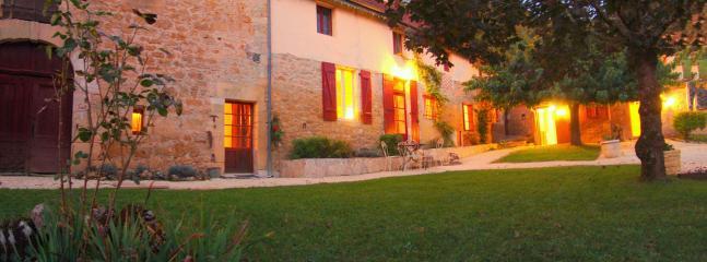 La Borie des Combes - Charming Stone Farmhouse with Dordogne River View - Bezenac - rentals