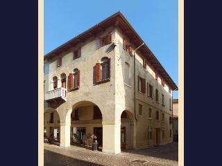 Treviso historical centre, near Venice (3B) - Treviso vacation rentals