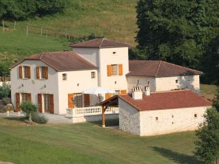 Holiday House 10 People Private Swimming Pool - Cambounet-Sur-le-Sor vacation rentals