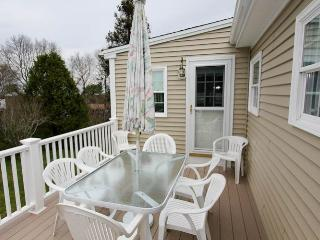 Nice 3 bedroom Cottage in Sandwich with Deck - Sandwich vacation rentals