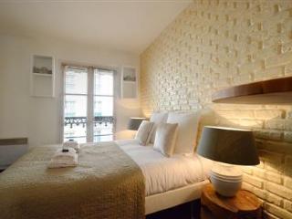 Petit Pompidou Paris Studio Apartment - Paris vacation rentals