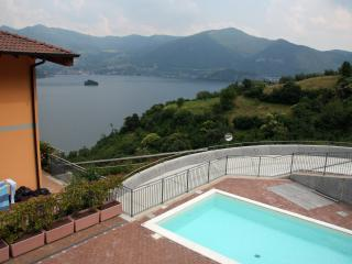 Nice flat with swimming pool and view on Lake Iseo - Sensole vacation rentals