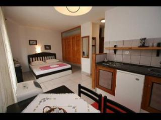 7982  SA4(2) - Bol - Bol vacation rentals
