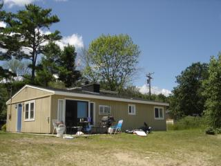 Beach Club Lakeshore. - Oscoda vacation rentals