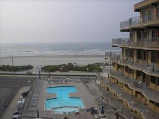 Perfect Condo with Deck and Dishwasher - North Wildwood vacation rentals