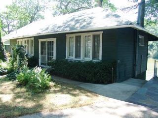Rivergreen Cottage. Saturday to Saturday Rental. - Holland vacation rentals