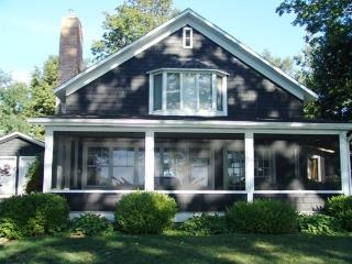 Knotty Pine. Saturday to Saturday Rental. - Saugatuck vacation rentals
