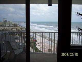 Grand Ocean View unit w/ balcony - Daytona Beach vacation rentals