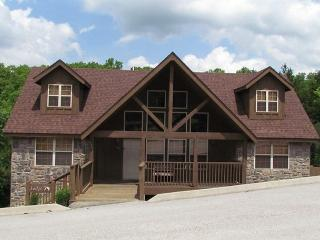 Quiet Creek Cabin - 4 Bedroom Stonebridge Resort Vacation Cabin - Kimberling City vacation rentals
