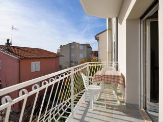 Apartments Ordan - 10671-A2 - Brodarica vacation rentals