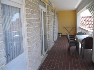 Apartments Borac - 11161-A2 - Raslina vacation rentals