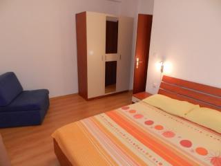 Apartments Emil - 25881-A1 - Murter vacation rentals