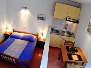 Apartments Gilve - 30801-A2 - Milna vacation rentals
