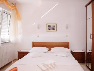 Apartments Ana - 32801-S1 - Podstrana vacation rentals