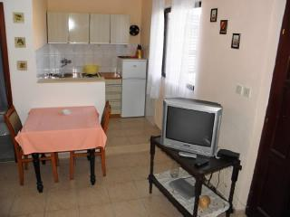 Apartments Boro - 33301-A4 - Splitska vacation rentals