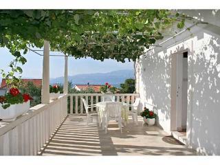 Apartments Iva - 34611-A1 - Soline vacation rentals