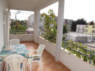 Apartments Slobodanka - 36121-A1 - Makarska vacation rentals