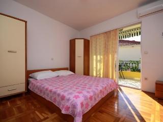 Apartments Katić - 37021-A3 - Zivogosce vacation rentals