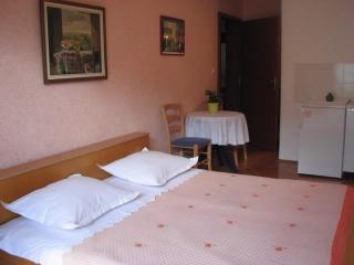 Apartments Mara - 39671-A5 - Makarska vacation rentals