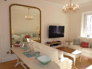 Golden Square Stunning 3 Bedroom Vacation Rental in Cannes - Cannes vacation rentals