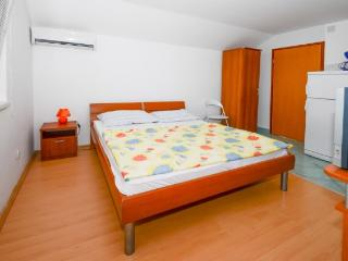 Apartments Kata - 61201-A3 - Karlobag vacation rentals