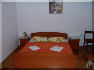Apartments Vjenceslava - 61921-A1 - Klenovica vacation rentals