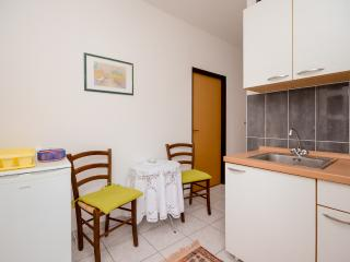 Apartments Ljiljana - 68201-A4 - Krk vacation rentals