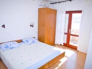 Apartments Nedjeljko - 26941-A2 - Zubovici vacation rentals
