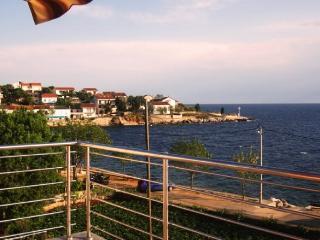 Apartments Ivan - 27831-A2 - Lun vacation rentals