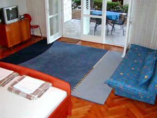 Apartments Dubravka - 30251-A1 - Baska Voda vacation rentals