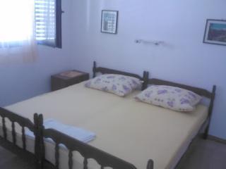 Apartments Ivan - 32541-A2 - Zivogosce vacation rentals