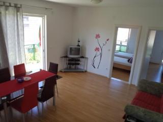 Apartments Ivan - 37691-A1 - Milna vacation rentals
