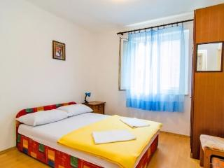 Apartments and Rooms Joško - 39911-A1 - Gradac vacation rentals