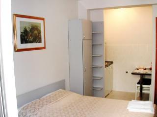 Apartments Toni - 41151-A2 - Island Vis vacation rentals