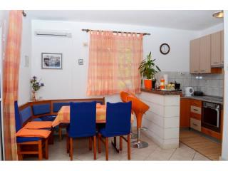 Apartments Jakov - 41861-A1 - Mirca vacation rentals