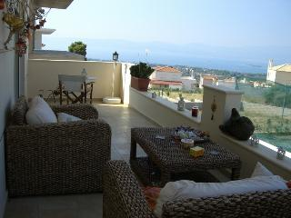 Country Shic House  At Eretria (1& half hour From - Eretria vacation rentals