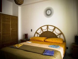 sweet sicily holiday home for family or group - Woodston vacation rentals
