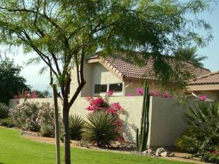 DESERT CONDO WITH GORGEOUS MOUNTAIN VIEWS--TENNIS HEAVEN! - Palm Desert vacation rentals