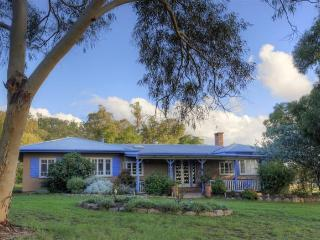 James Farmhouse & Cottages - Stanthorpe vacation rentals