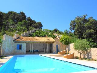 Le Clos des Vignes |Stunning  Villa with Pool, Gardens, Gym, Sauna & Parking - Dubrovnik vacation rentals