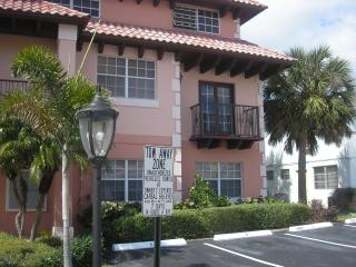 Beautiful 2 Bedroom Condo One Block From Beach - Lauderdale by the Sea vacation rentals